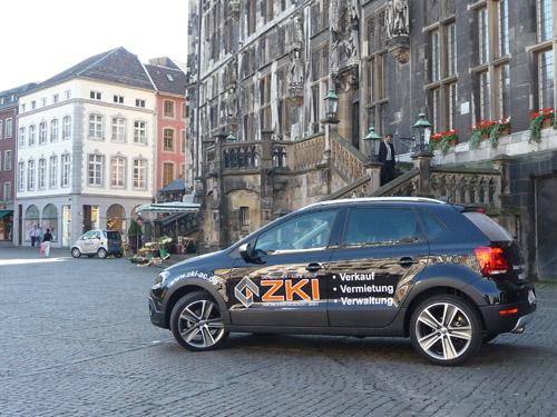 ZKI Auto auf dem Marktplatz Aachen